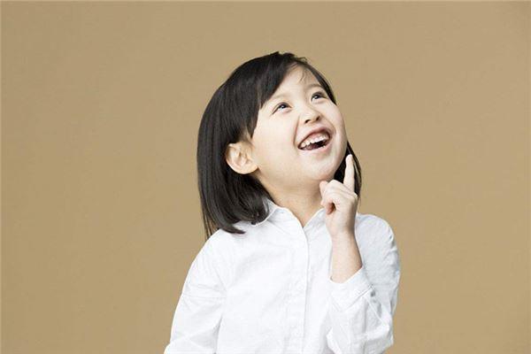 属土的字 宇儿、羽儿、圆圆、坤儿、小辰、仔仔、丫头、小安、一鸣、培培、小梦、岩子 或四季月出生的女生 有关于女孩的小名有很多种选择,但根据五行的名字才是最适合女生名字最好的小名。   读过此篇文章的网友还读过: