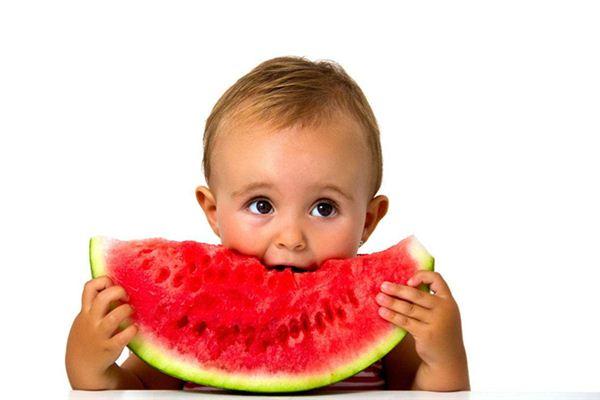 梦见自己孩子吃西瓜